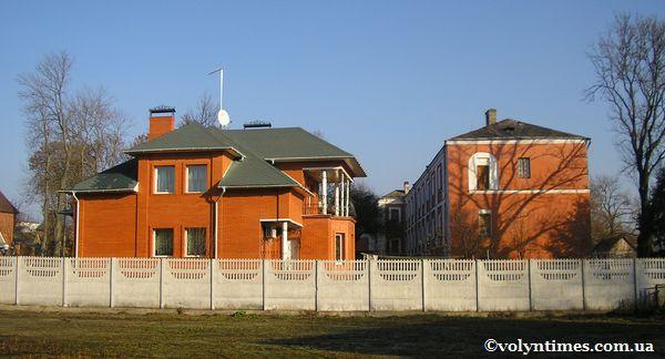 Будинок Т.Семенюк в охоронній зоні пам'ятки національного значення монастиря Домініканів
