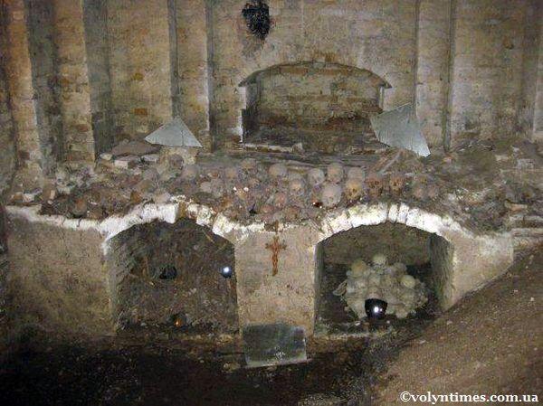 Масові захоронення луцьких підземель