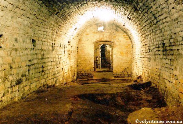 Коридори луцьких підземель