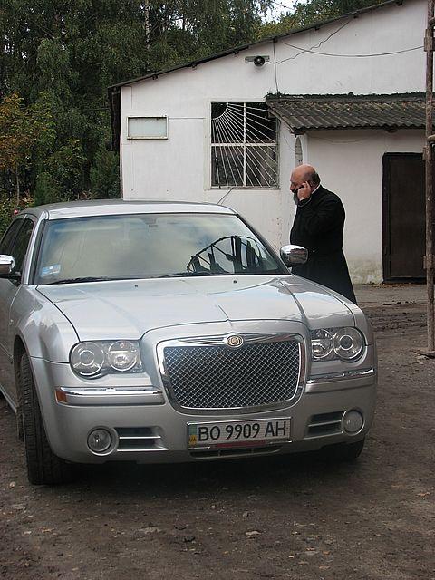 Chrysler 300C -  Анатолія Зінкевича